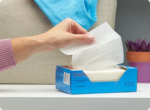 mẹo vặt loại bỏ mùi hôi bằng Dryer Sheet