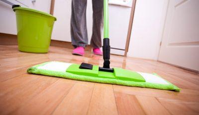 Bí quyết lau sàn gỗ đúng cách
