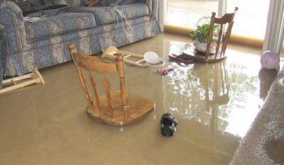 Dọn dẹp nhà cửa sau mưa ngập bằng cách nào?