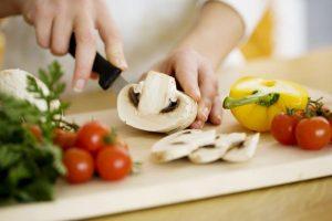 cắt gọt đồ ăn không đứt tay