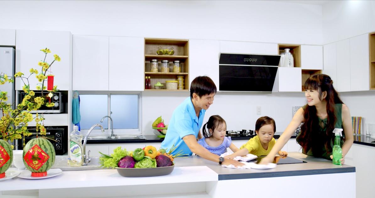 Phụ nữ bận rộn cần giúp việc nhà đồng hành (ảnh bTaskee blog)