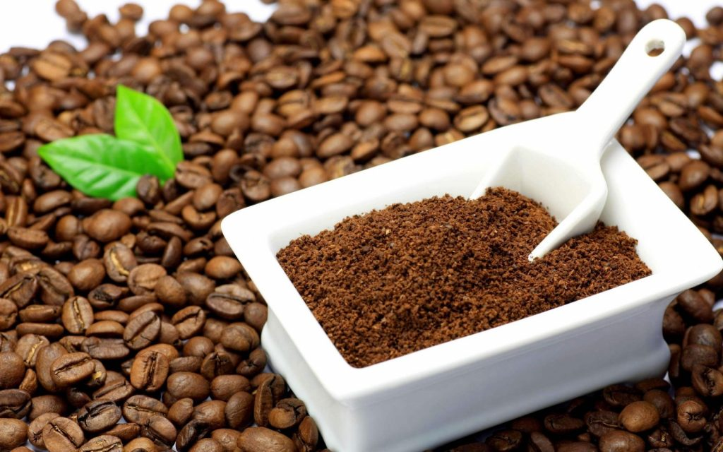 Dùng hỗn hợp giấm cà phê khử mùi chiên xào thức ăn