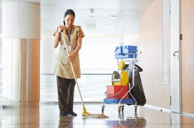 Những tác hại khi người giúp việc làm việc ngoài hệ thống