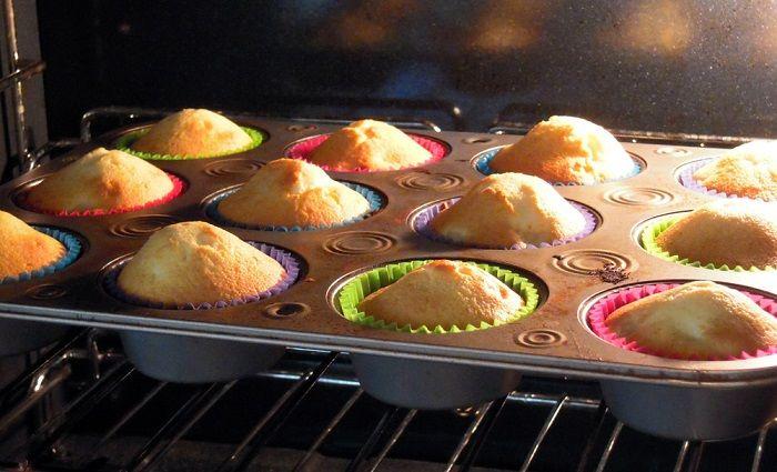 Dùng mùi thơm của bánh nướng để khử mùi dầu mỡ