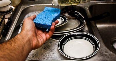 7 sai lầm khi rửa bát đũa gây hại nhiều người mắc mà vô tình không biết