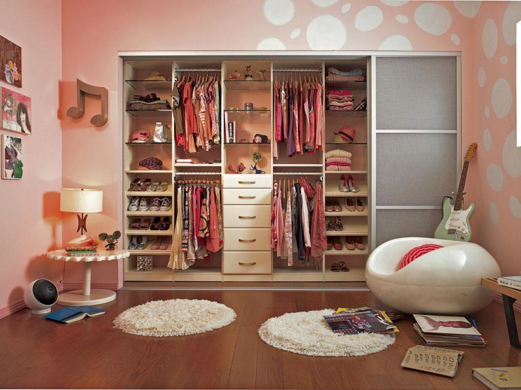 sắp xếp tủ quần áo