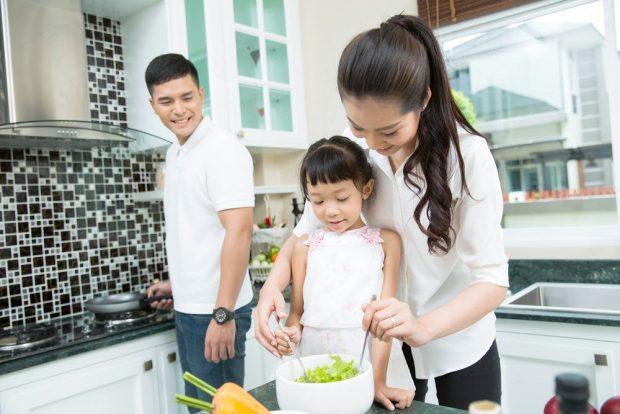 """5 mẹo """"dụ"""" chồng làm việc nhà hiệu quả"""