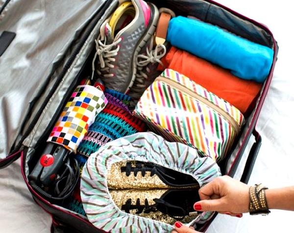 Xếp quần áo trong nháy mắt trước khi đi du lịch