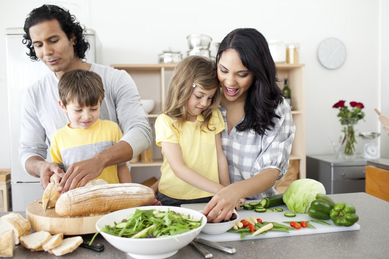 Linh hoạt các thói quen cho trẻ khi làm việc nhà