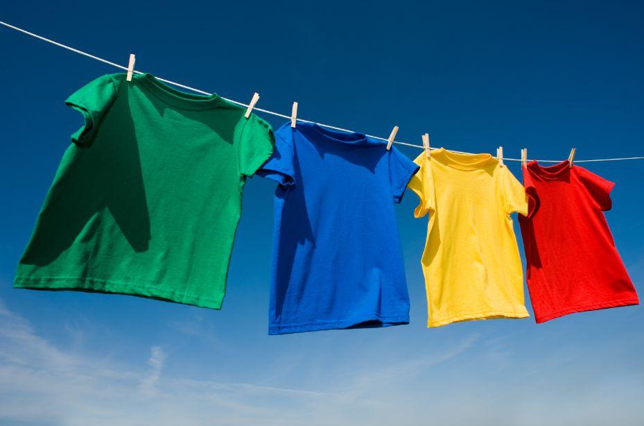 phơi khô quần áo ngoài trời