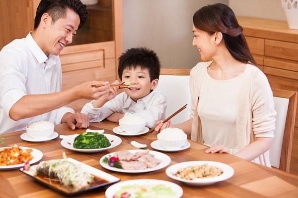 để bữa ăn gia đình luôn vui vẻ