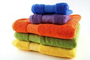 Dùng muối giặt khăn để khăn luôn như mới