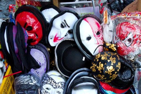 Những cửa hàng bán phụ kiện Halloween ở Sài Gòn