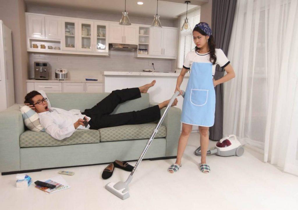 đàn ông lười biếng trong việc nhà khiến phụ nữ mệt mỏi