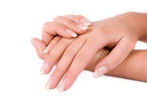 Cách giữ đôi tay luôn mềm mịn