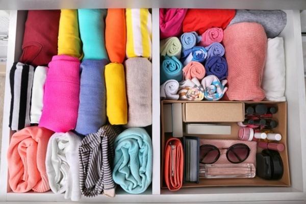ngăn tủ chứa quần áo