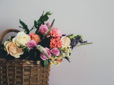 Chọn hoa ý nghĩa tặng thầy cô, bạn đã biết?