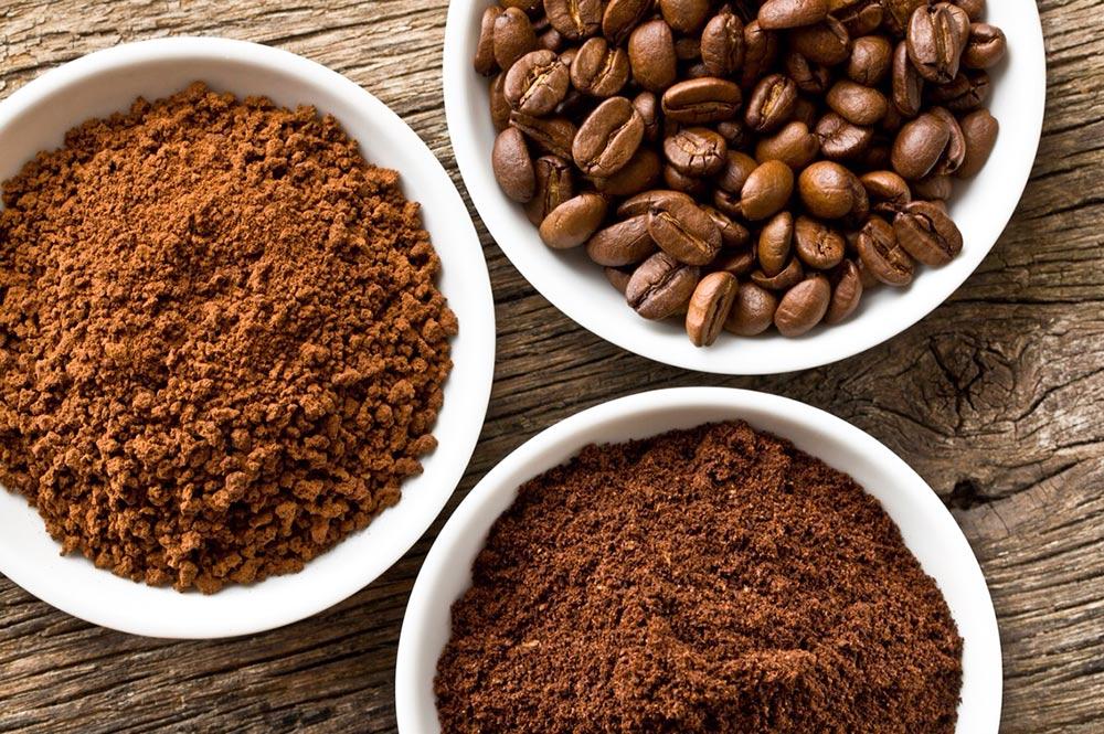 hạt cà phê và cà phê xay nhuyễn