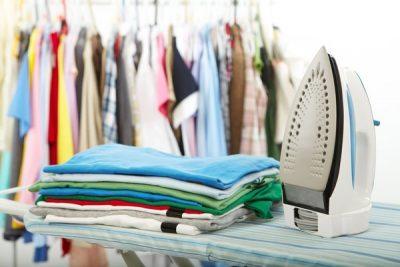 Cách ủi quần áo nhanh và đẹp