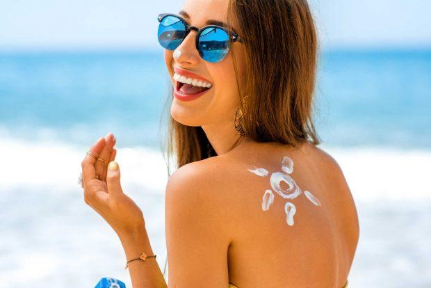 Kết quả hình ảnh cho sử dụng kem chống nắng