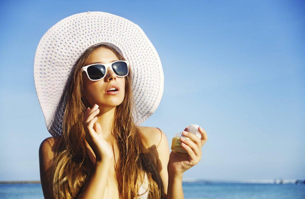 bảo vệ da khi trời nắng nóng