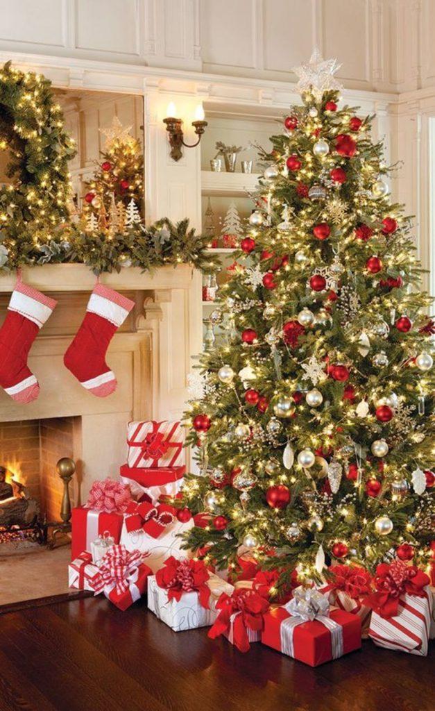 Trang trí cây thông Giáng Sinh