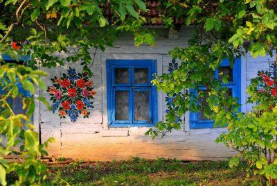 """Khám phá ngôi làng """"trăm hoa đua nở"""" tại Ba Lan"""