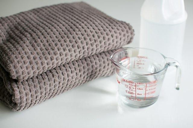 công dụng của giấm trong giặt giũ