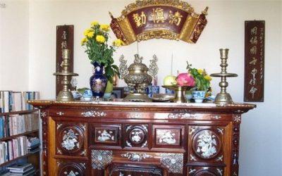 Tránh những kiêng kỵ khi lau dọn bàn thờ để có thêm lộc trong năm mới