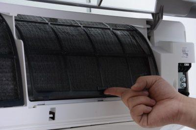 Vệ sinh máy lạnh để phòng tránh bệnh cho gia đình