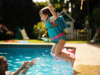 Cách phòng bệnh mùa hè cho trẻ em