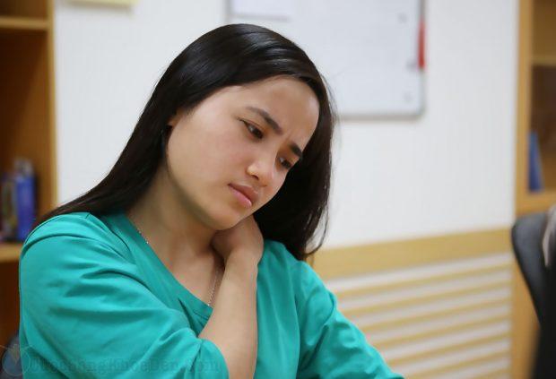 Những tư thế ngồi giúp dân công sở tránh đau vai gáy