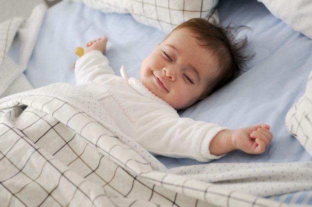 Tuyệt chiêu đánh bay mùi hôi của nệm khi trẻ tè dầm của các mẹ bỉm sữa