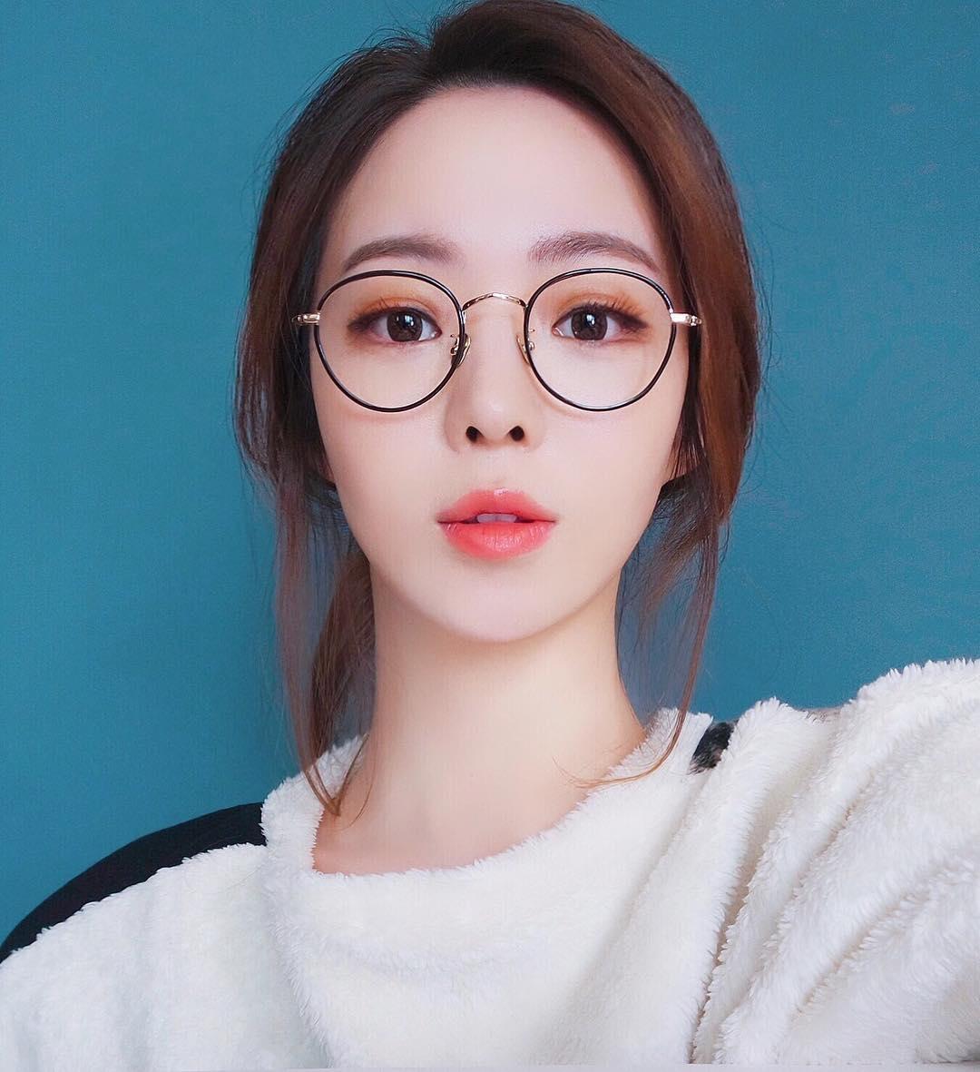 mắt kính
