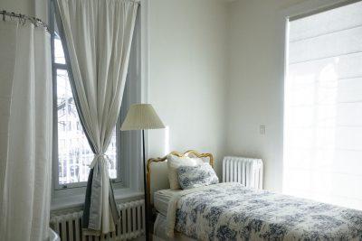 Các phương pháp vệ sinh rèm cửa để tăng thẩm mỹ cho ngôi nhà