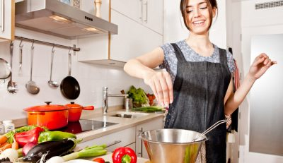"""Những mẹo bếp núc biến bạn thành """"siêu đầu bếp"""" ( phần 1)"""