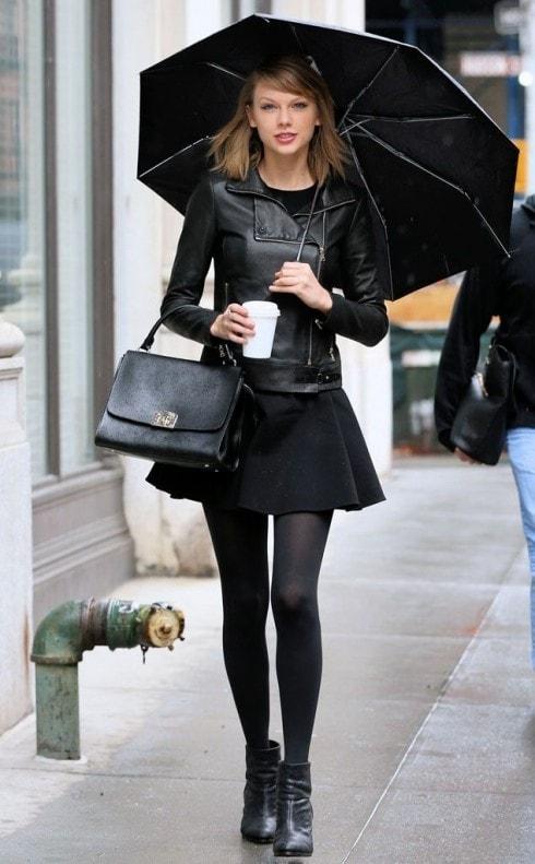 trang phục ngày mưa