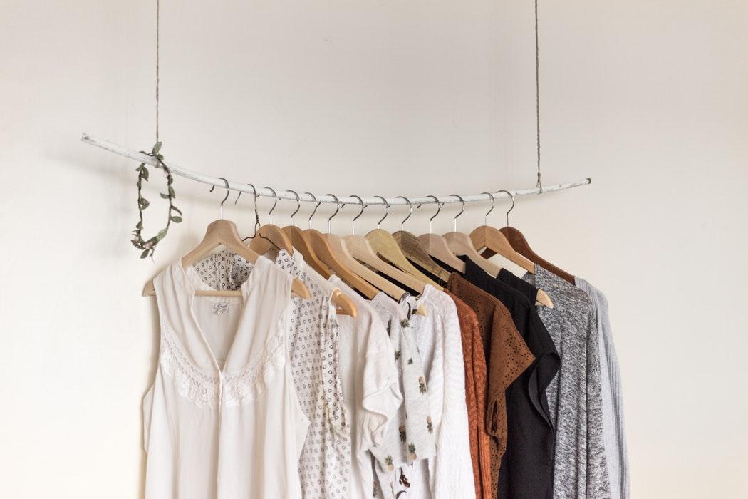 Dụng cụ và không gian phơi quần áo