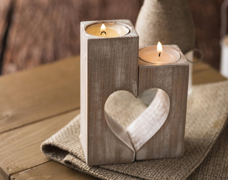 Sáp thơm vừa để trang trí, vừa giúp khử mùi nấm mốc trong nhà hiệu quả