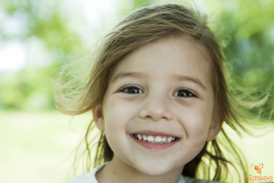 Để trẻ có hàm răng đẹp phụ huynh nên làm gì?