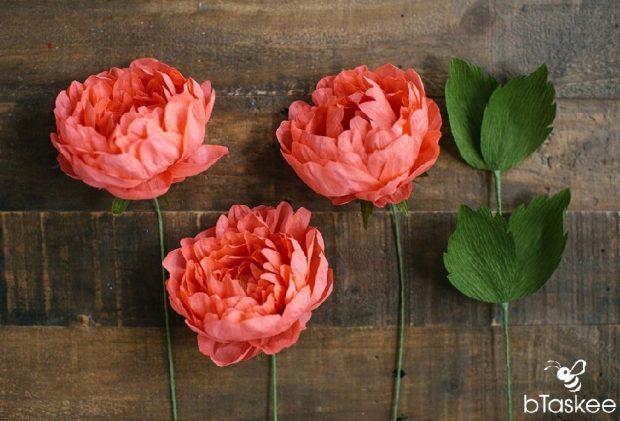 Khiến bức tường nở hoa với cách làm hoa treo tường bằng giấy