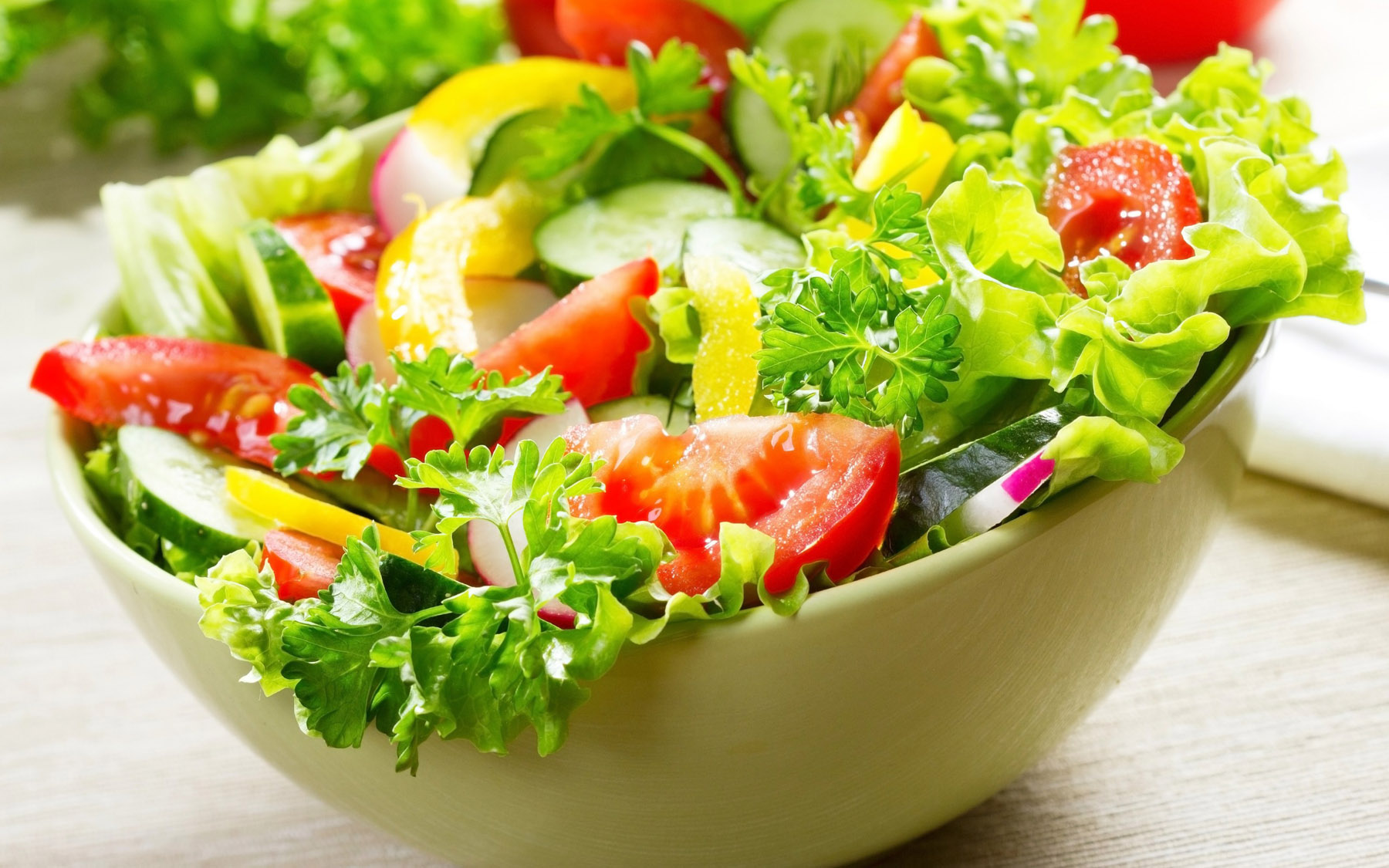 mon-salad-ngon-de-lam-mua-he