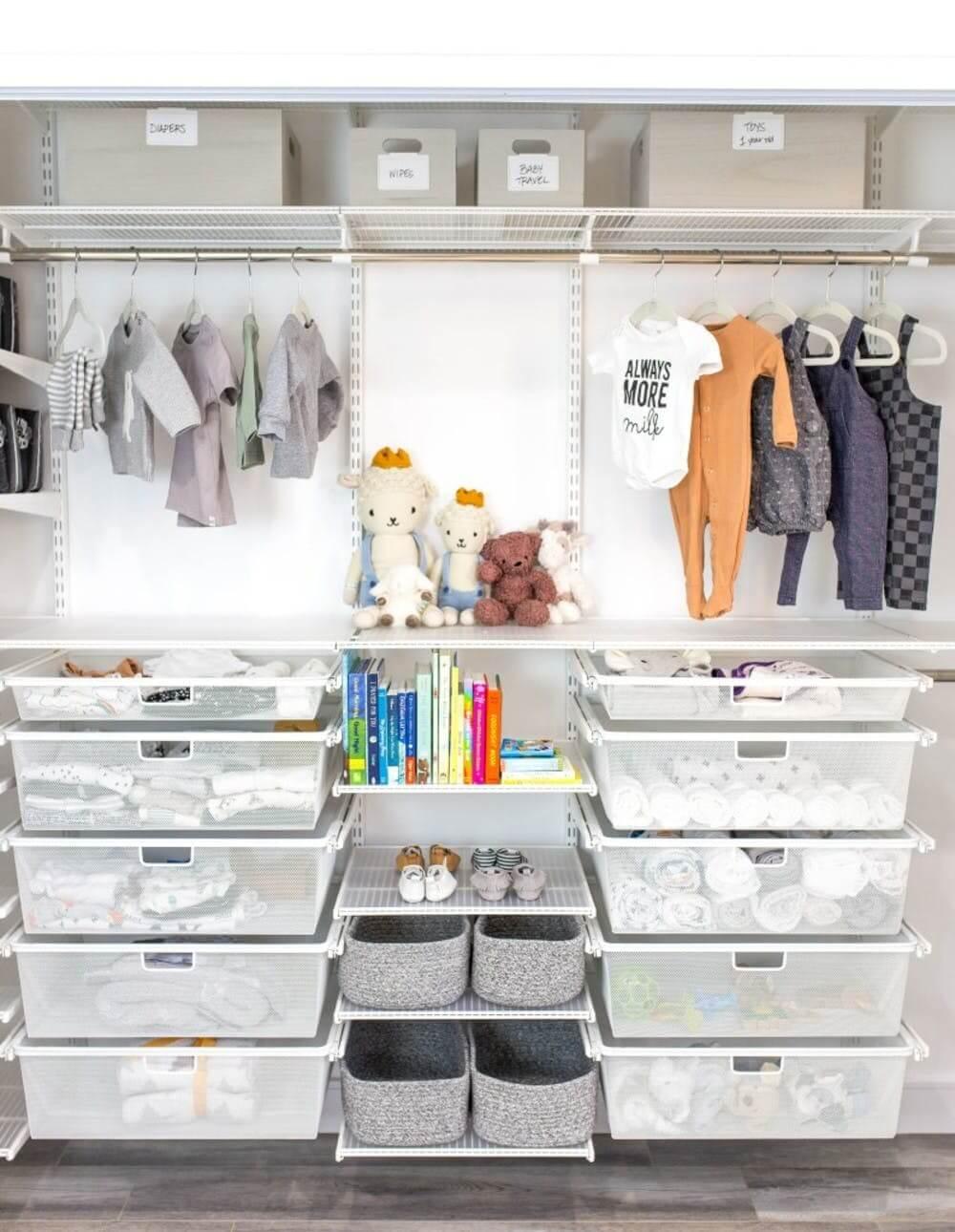 sắp xếp tủ quần áo cho trẻ dễ tìm kiếm