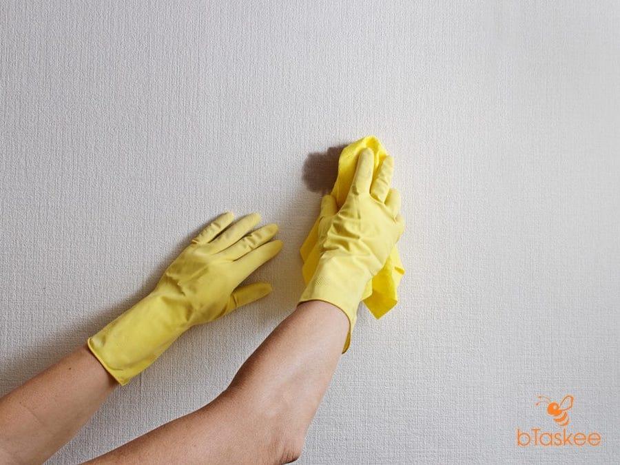 Tẩy vết bẩn trên tường