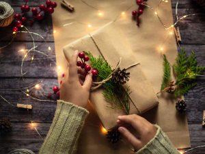 Cách làm hộp quà trang trí Noel đẹp