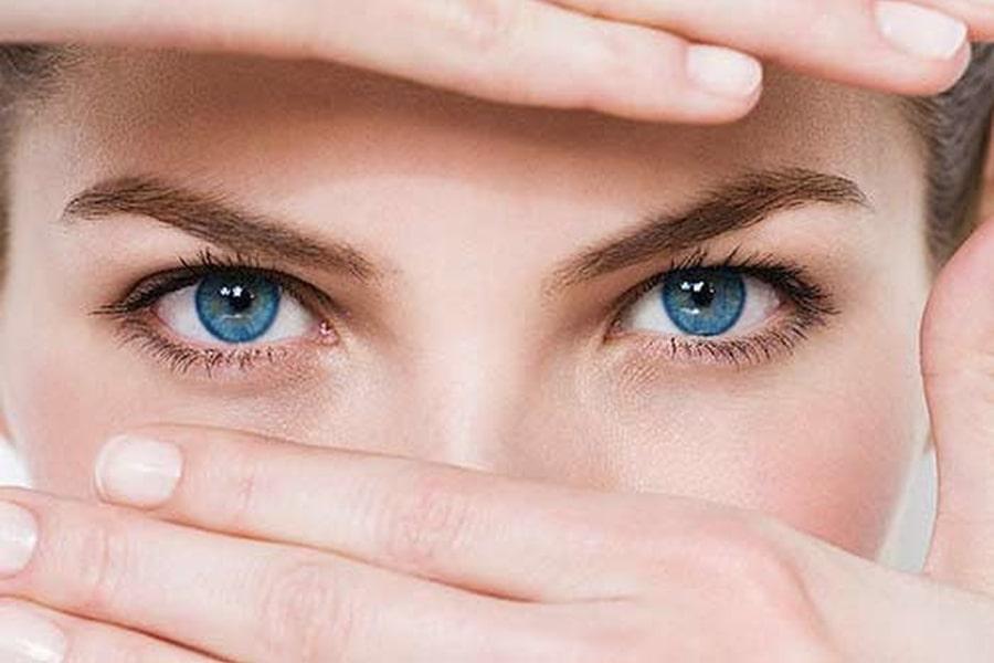 Công dụng dầu gấc cho đôi mắt đẹp