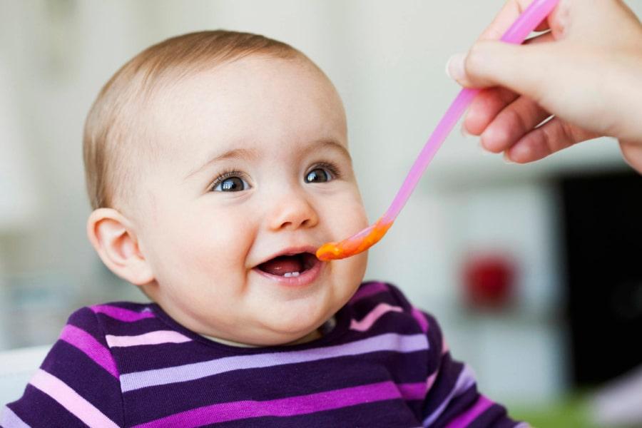 trẻ em hấp thụ tốt dinh dưỡng với công dụng dầu gấc