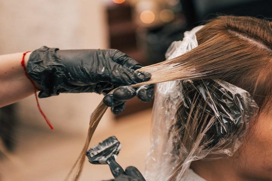 hóa chất gây bạc tóc