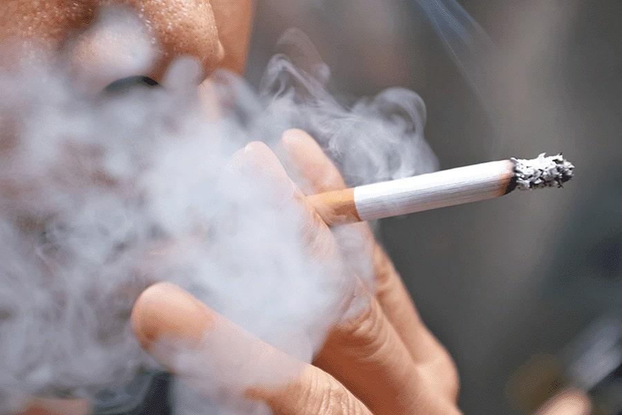 Hút thuốc lá gây tóc bạc sớm