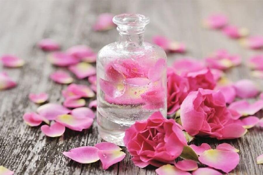 lọ nước và canh hoa